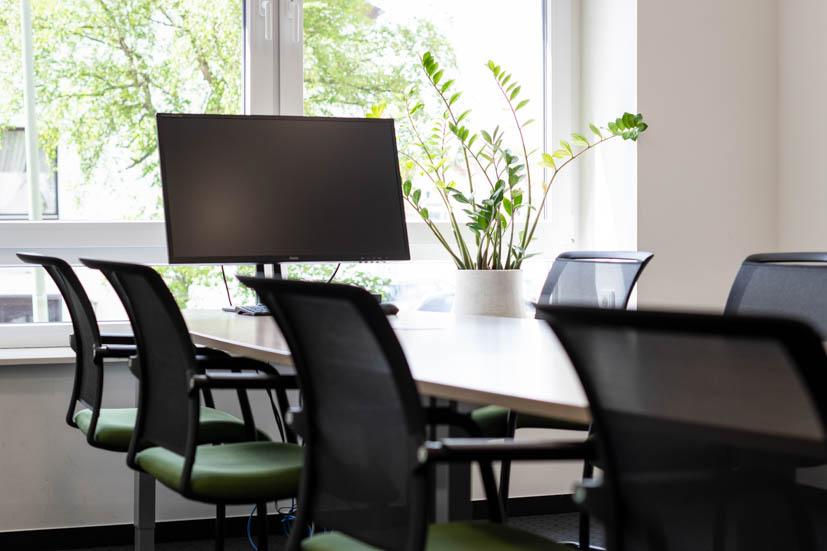 Auch unsere Meetingräume sind mit neuester Technik ausgestattet, sodass du digital arbeitende Mandanten optimal betreuen kannst.