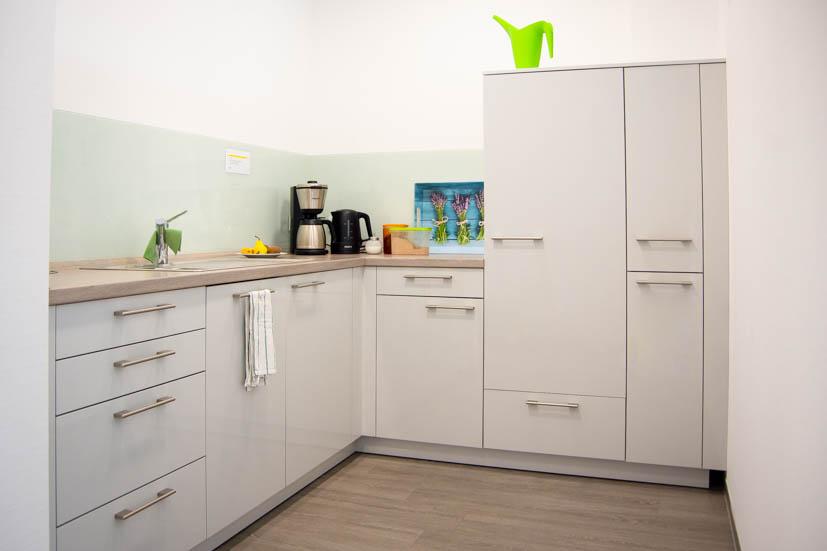 Und zu Mittag kannst du eine unserer topmodern ausgestatteten Küchen benutzen.